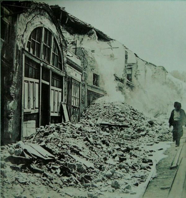 Kapalicarsida deprem hasari
