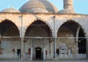 Pasa nin Antalya da Yaptirdıgı Camii
