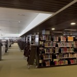 Kütüphanenin içinden bir görünüm